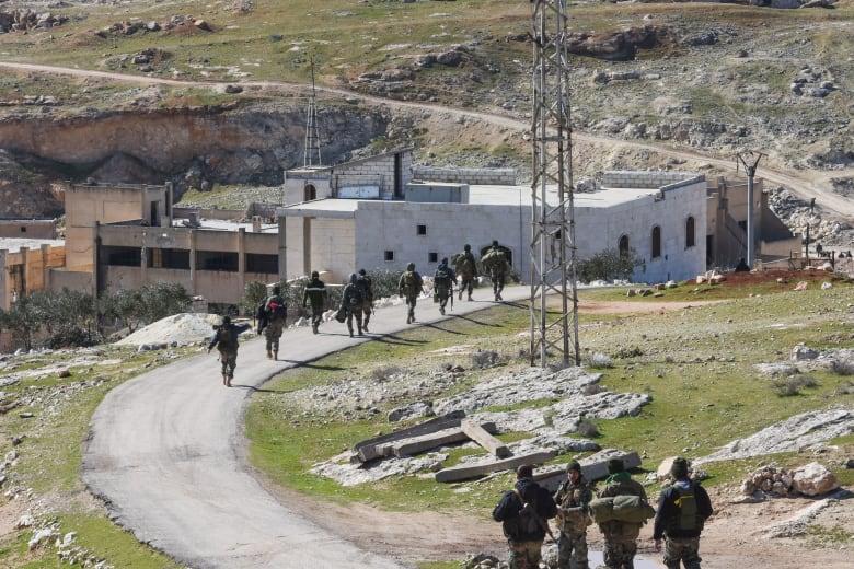 وحدات لجيش النظام السوري في شمال غرب البلاد