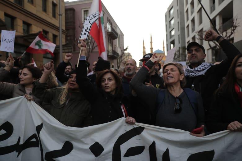 استمرار الاحتجاجات المناوئة للحكومة في لبنان