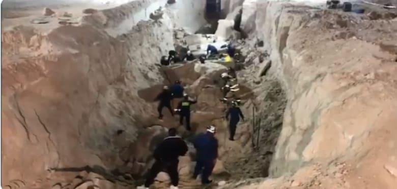 انهيار رملي يبتلع 10 عمال في مشروع سكني بالكويت