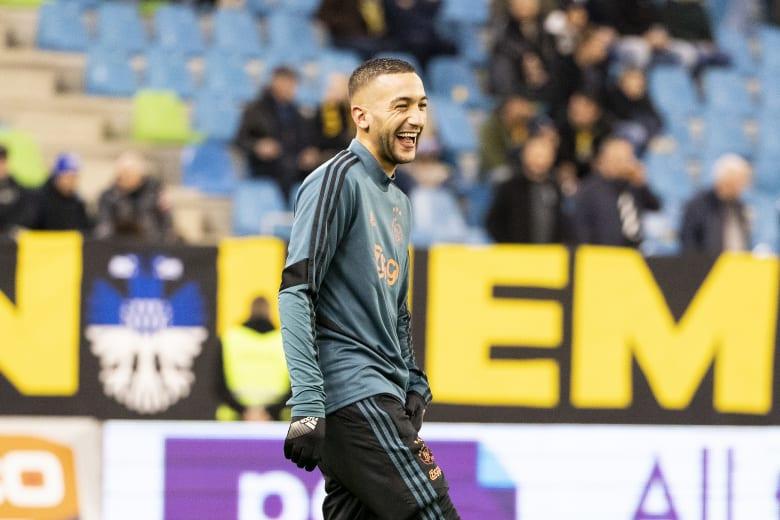 المهاجم المغربي حكيم زياش ينتقل إلى نادي تشيلسي اعتبارًا من الموسم المقبل