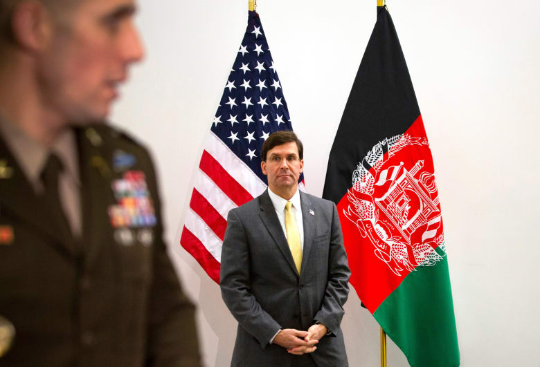وزير الدفاع الأمريكي مارك إسبر يشارك في اجتماعات وزراء حلف شمال الأطلسي