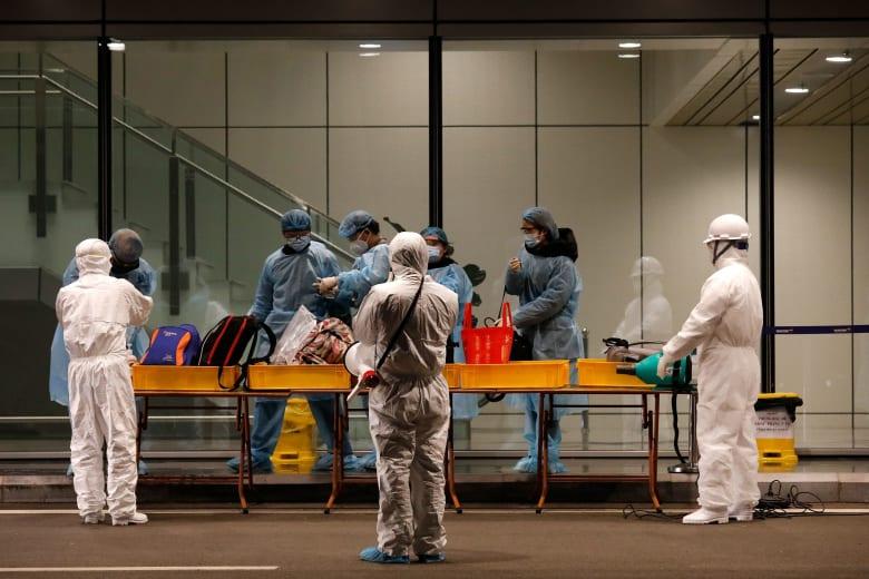 مع وفاة 143 حالة جديدة بالصين.. عدد ضحايا فيروس كورونا حول العالم يرتفع إلى 1526