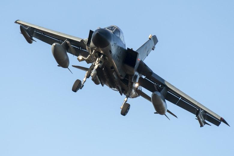 التحالف الذي تقوده السعودية في اليمن يعلن إسقاط طائرة تابعة للقوات الملكية في الجوف