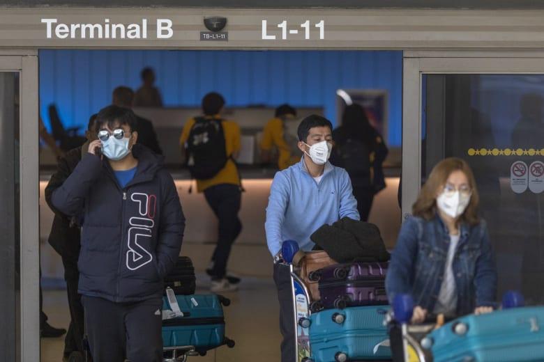 """باحثون صينيون: مرضى كورونا لديهم نفس """"الحمولة الفيروسية"""" حتى إذا لم تظهر أعراضه"""