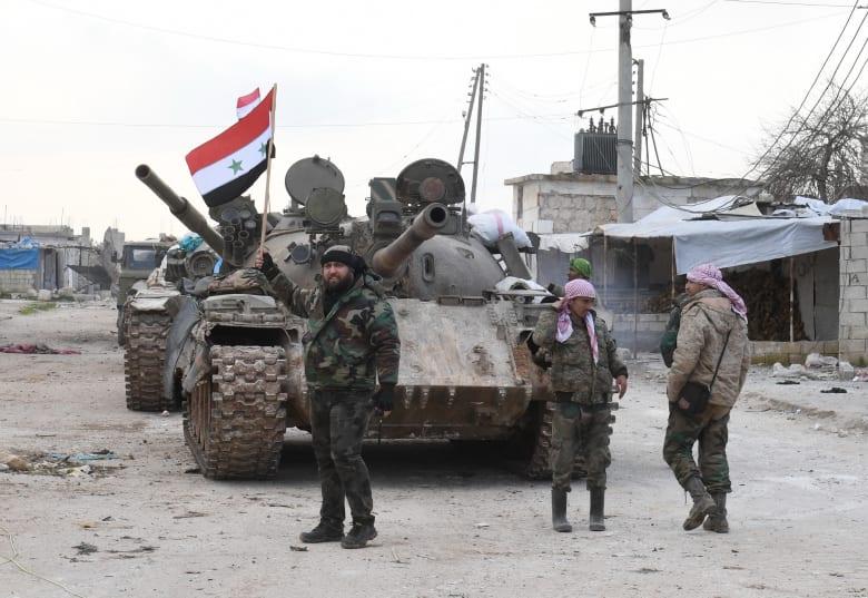 صورة ارشيفية لمقاتلين بالجيش السوري
