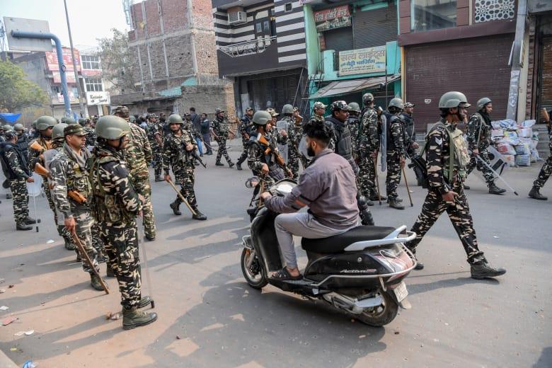 اشتباكات بسبب قانون يمنح الجنسية لغير المسلمين فقط في الهند