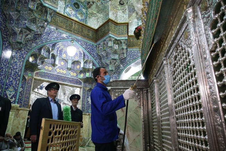 إيران تلغي صلاة الجمعة لهذا الأسبوع في مدنها المُتضررة من فيروس كورونا