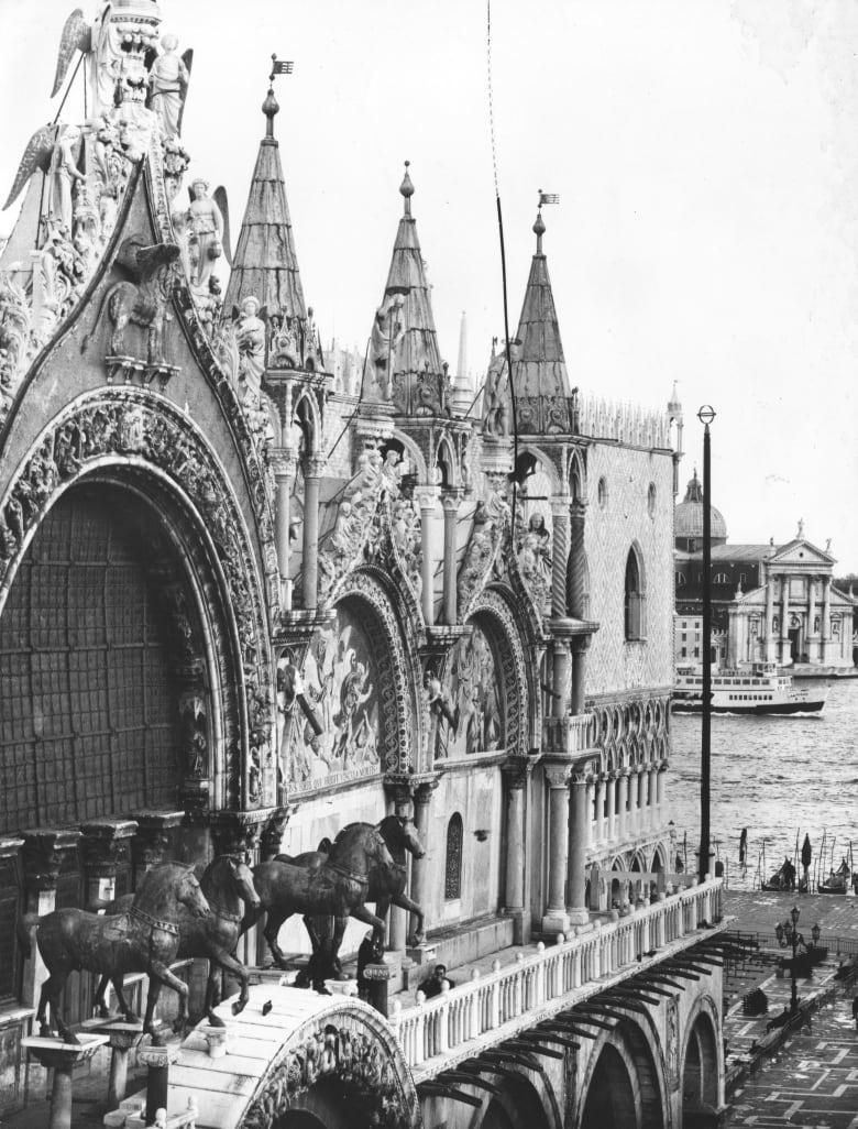 """كنيسة """"سان ماركو"""" في مدينة البندقية"""