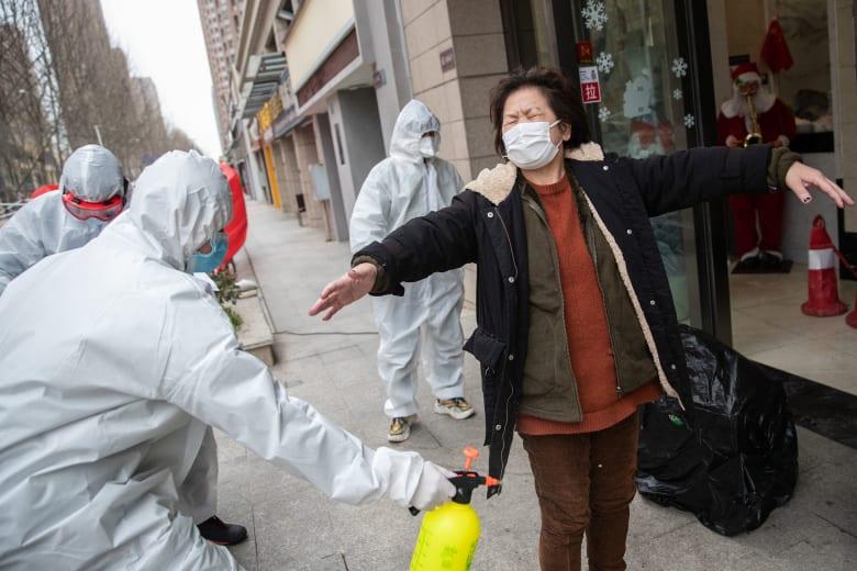 الصين تسجل أقل معدل يومي للإصابات الجديدة بفيروس كورونا الجديد