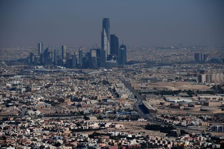 السعودية تسجل أول حالة مصابة بفيروس كورونا لمواطن كان في إيران دون أن يفصح عن ذلك