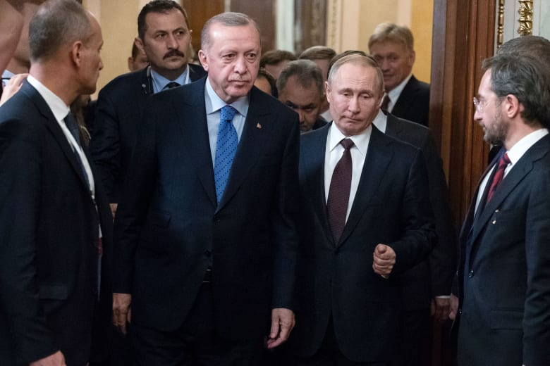 خلال لقاء بوتين واردوغان في موسكو