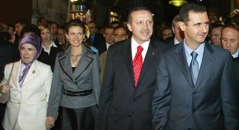 صورة أرشيفية لأسد وأردوغان مع زوجتيهما العام 2004