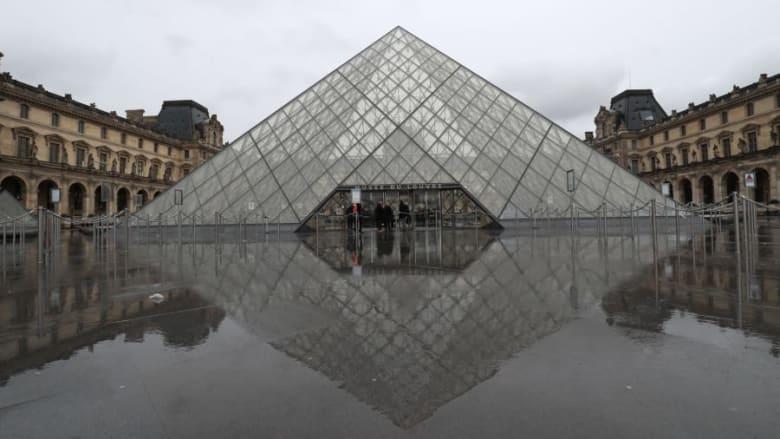 """متحف """"اللوفر"""" في باريس"""