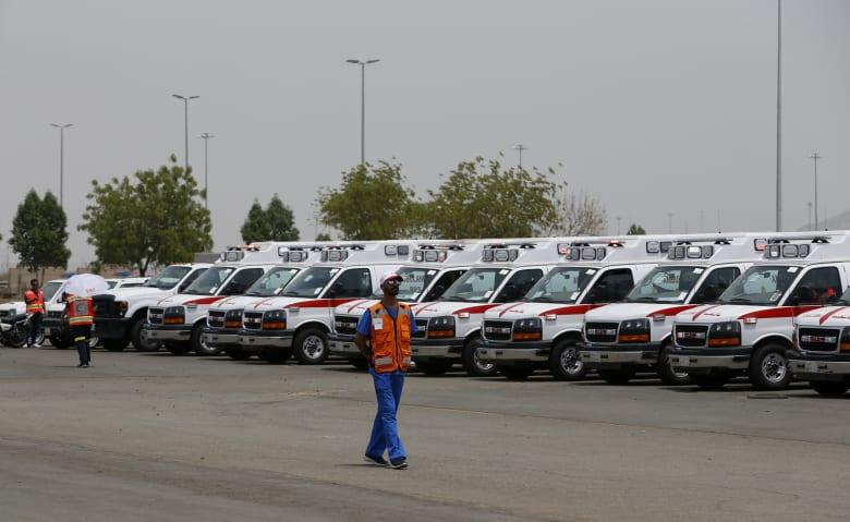 صورة ارشيفية لعدد من عربات الإسعاف في السعودية