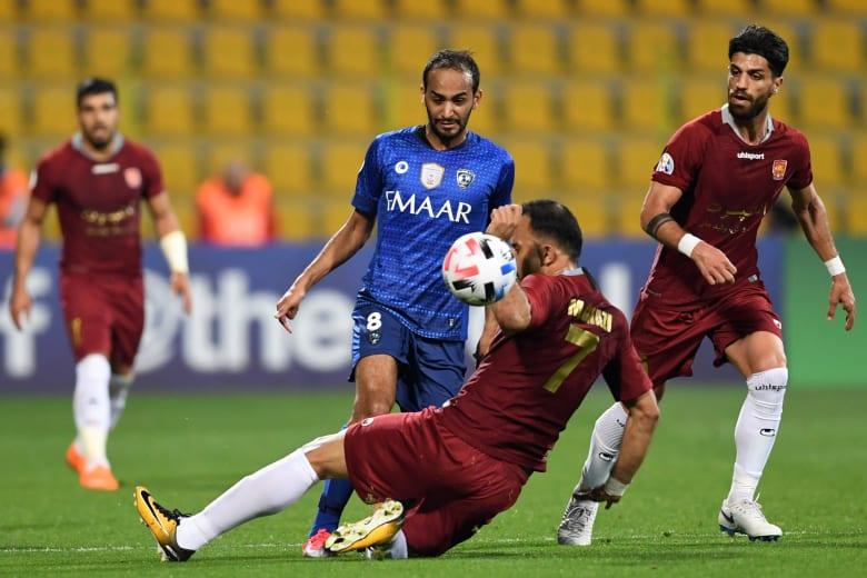 لاعب الهلال السعودي ينشر صورة مع قميص برشلونة.. والنادي يرحب به