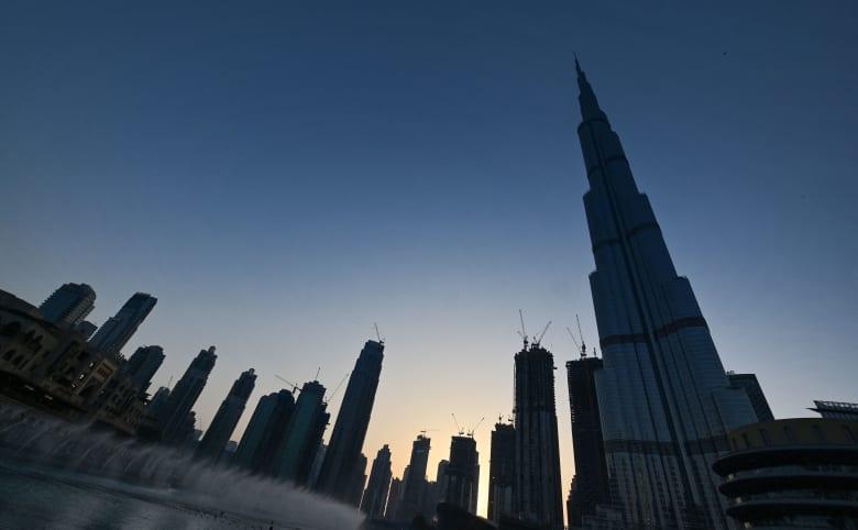 الإمارات ترد على أنباء إنهاء العام الدراسي بسبب فيروس كورونا