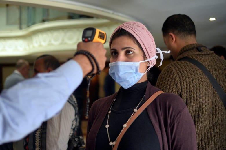 """رئيس الوزراء المصري: إصابات كورونا """"محدودة"""".. وعلى المواطنين تقليل الخروج للشوارع"""