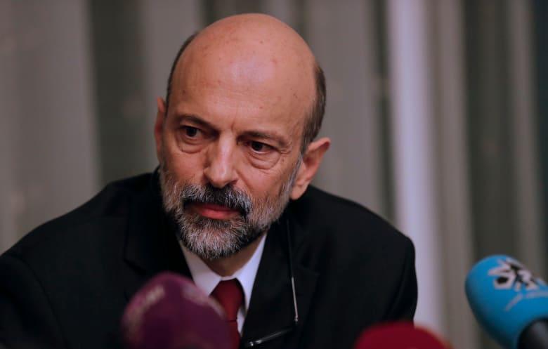 الأردن يصعّد إجراءاته الاحترازية لمنع انتشار فيروس كورونا.. ويلوّح بتفعيل قانون الدفاع العام