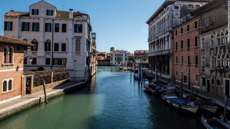 مفاجأة غير متوقعة.. مياه مدينة البندقية الإيطالية أكثر وضوحاً وسط انتشار كورونا