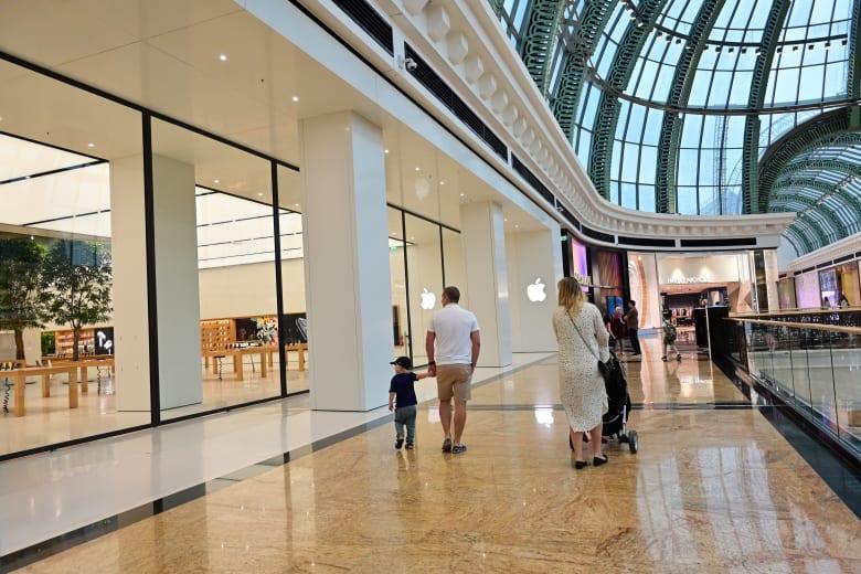 الإمارات تعلن إغلاق جميع مراكز التسوق التجارية للحد من تفشي فيروس كورونا