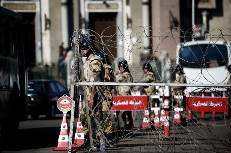 """وزير الإعلام المصري: حظر التجول """"هيحصل"""".. وننتظر لحظة تاريخية لفرضه"""