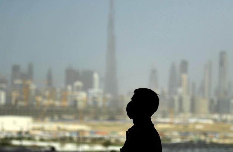 الإمارات تعلن منح شرعية البقاء للعالقين فيها بسبب وقف حركة الطيران والمنافذ الحدودية