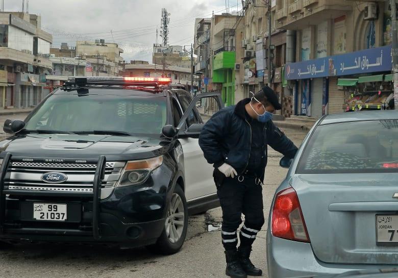 بعد عزلها بسبب كورونا.. مسؤول سعودي يزور محافظة إربد الأردنية