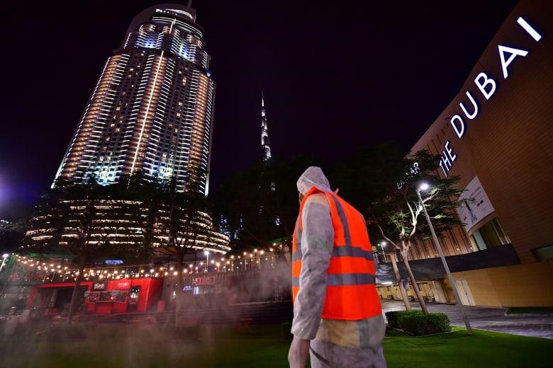 الإمارات تعلن تسجيل 102 إصابات جديدة بفيروس كورونا وحالة وفاة لسيدة عربية