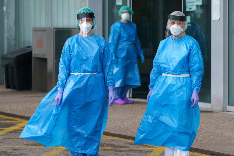 وفيات فيروس كورونا في إسبانيا تتجاوز 10 آلاف شخص