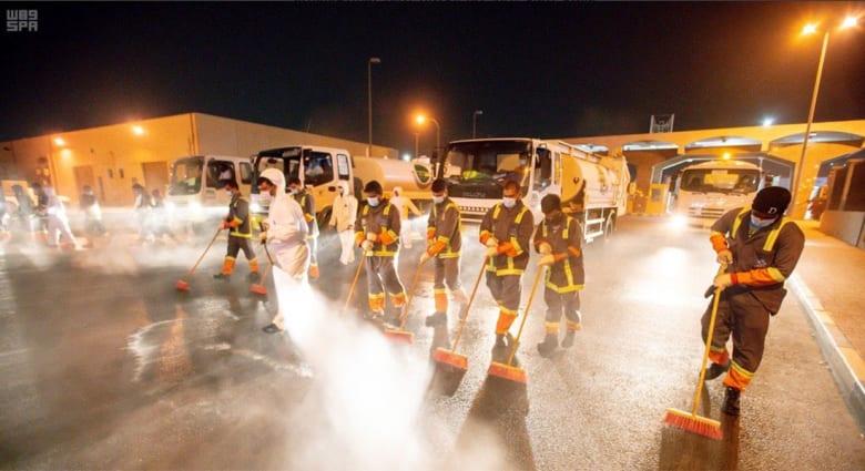 من عمليات التعقيم في إمارة المنطقة الشرقية في المملكة العربية السعودية