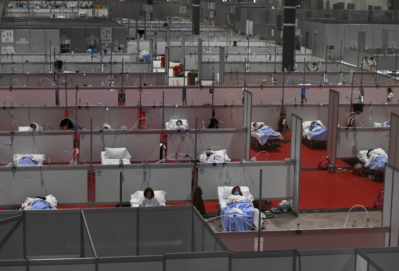أحد المستشفيات الميدانية الطارئة في مدريد بعد تفشي فيروس كورونا المستجد