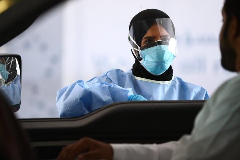الإمارات تسجل 294 إصابة جديدة بفيروس كورونا.. فكم بلغت نسبة الشفاء فيها؟