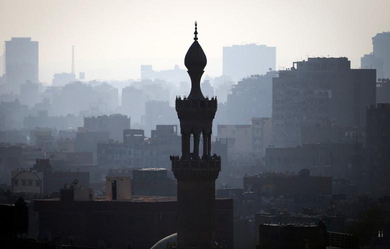 """مصر.. اشتباك بين الأمن الوطني ومجموعة مسلحة في القاهرة يُسفر عن مقتل ضابط وعناصر """"إرهابية"""""""