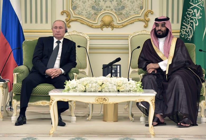 صورة أرشيفية للأمير محمد بن سلمان والرئيس الروسي بوتين