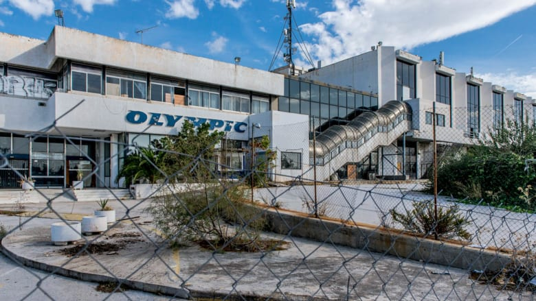مطار إلينيكون الدولي..ما حكاية المطار اليوناني الذي ترك مهجوراً لمدة 20 عام؟