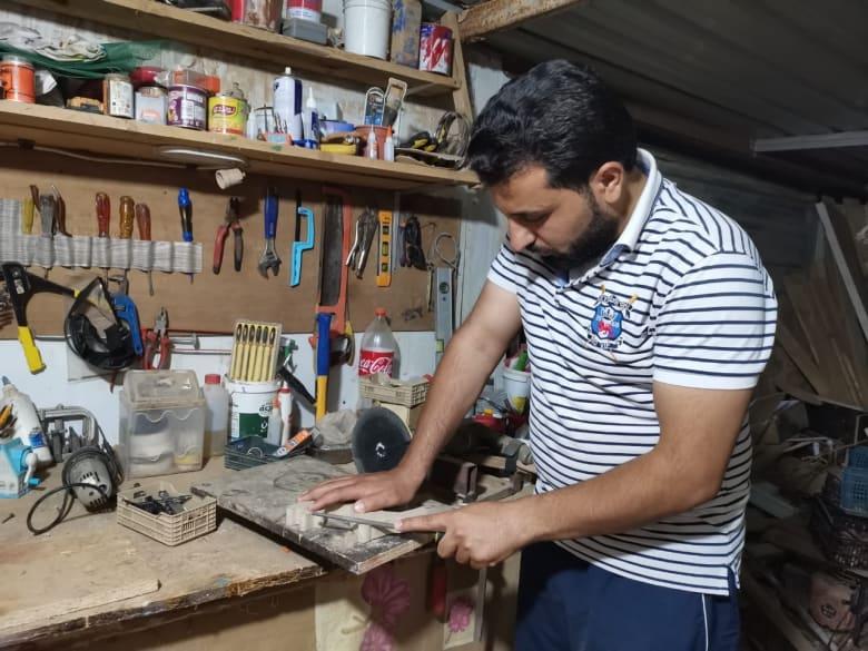 """""""دمى تمّام"""" الخشبية.. رسالة أمل وفرح من مخيّم الزعتري إلى العالم"""