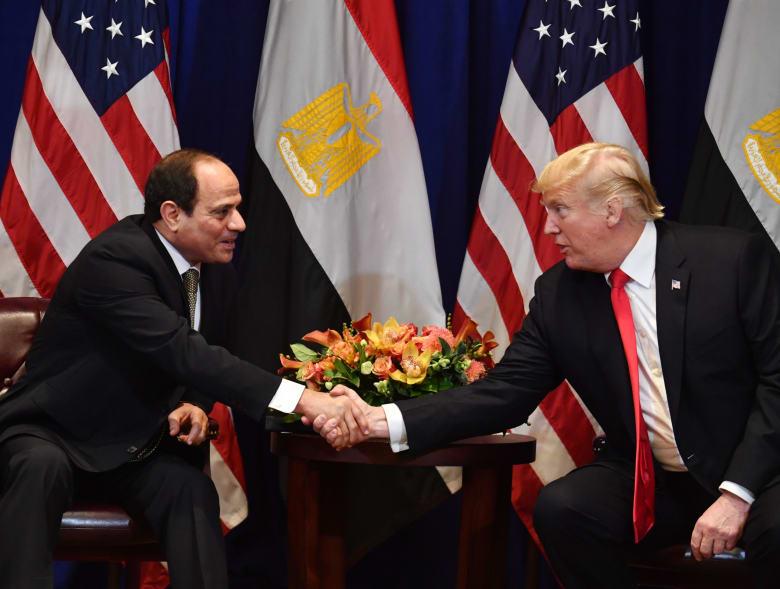 السيسي لترامب: نهدف لتقويض التدخلات الأجنبية في ليبيا.. والثاني يشيد بالجهود المصرية