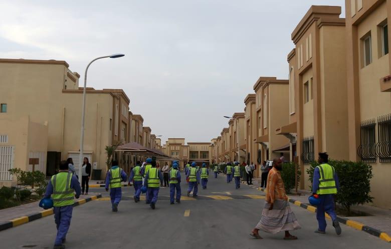 """قطر ترد على تقرير HRW عن """"انتهاكات حقوق العمال"""": تعمدت التضليل"""