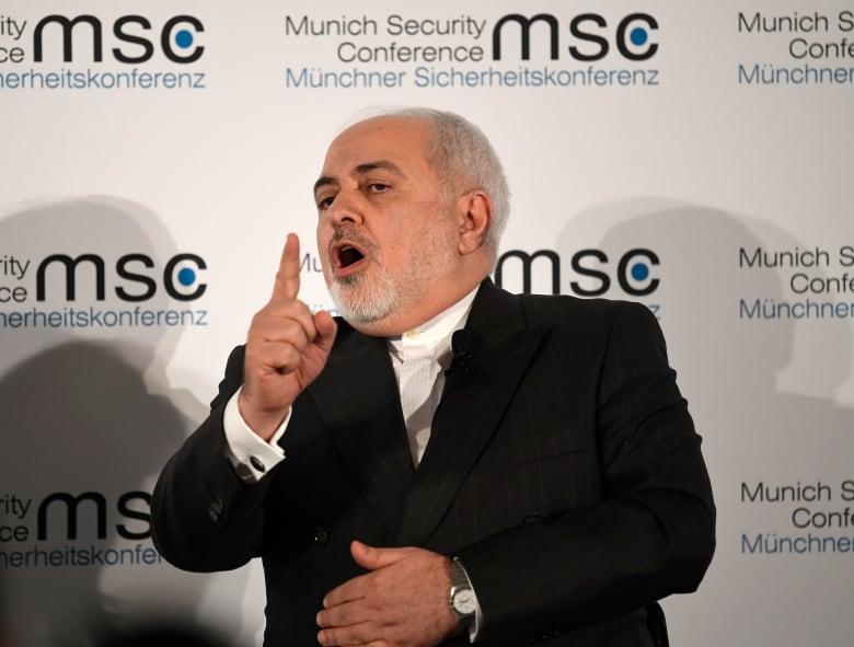 """عقوبات أمريكية جديدة ضد إيران.. وظريف: """"جريمة تنسف ما تبقى لشراء الغذاء والدواء"""""""