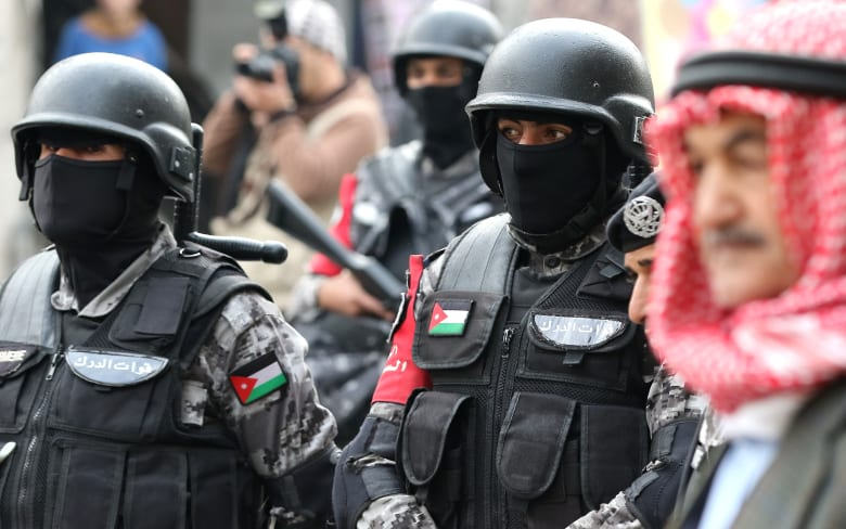صورة أرشيفية لعناصر بقوات الدرك الأمنية بالأردن
