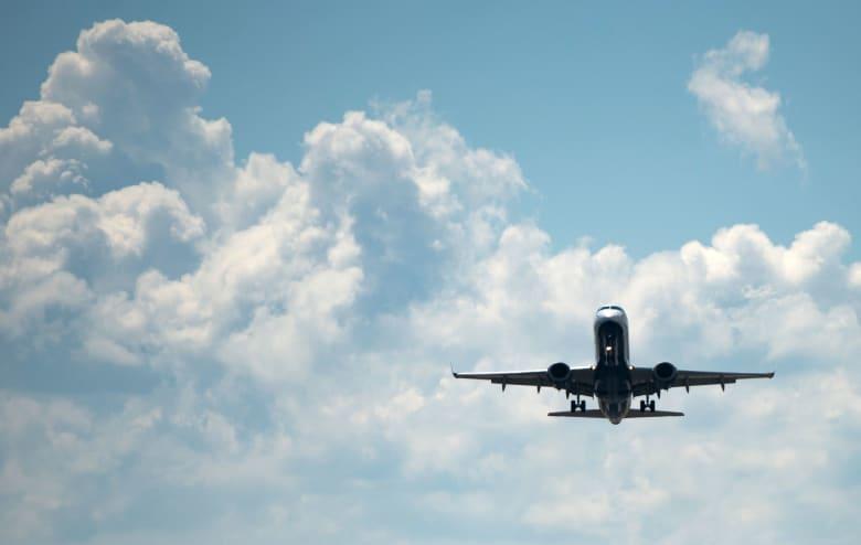 نصف انبعاثات صناعة الطيران في العالم سببها 1% فقط من السكانِ