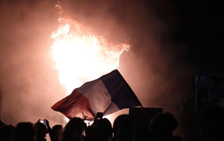 فرنسا: أكثر من 130 ألف شخص يحتجون على قانون الأمن وسط اشتباكات عنيفة مع الشرطة