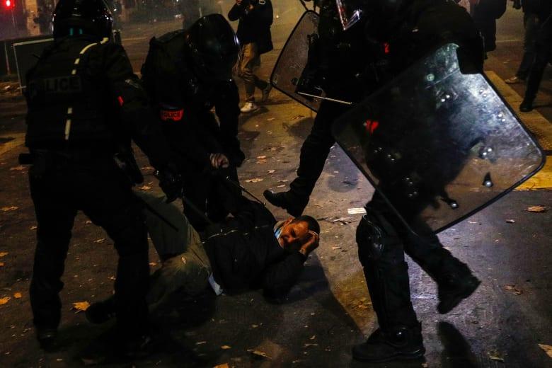 أكثر من 130 ألف شخص يحتجون على قانون الأمن في فرنسا