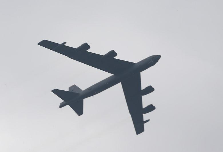 أمريكا ترسل قاذفتي B-52 ذات القدرة النووية للشرق الأوسط في مهمة ردع أخرى لإيران