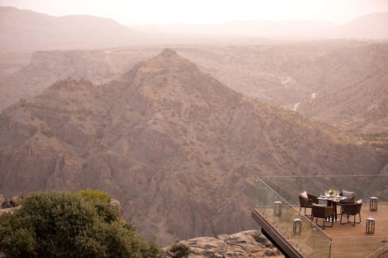 """زارته الأميرة ديانا بنفسها قبل عقود.. هذه هي النقطة الشاهقة التي سميت تيمنا بـ""""ملكة القلوب"""" في سلطنة عمان"""