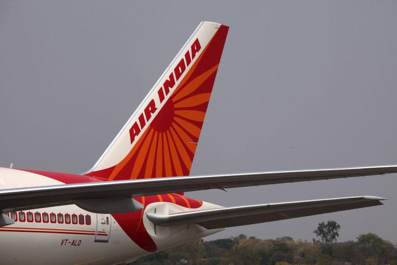 فريق هندي من الطيارين النساء يصنع التاريخ بإكمال أطول رحلة تجارية في البلاد