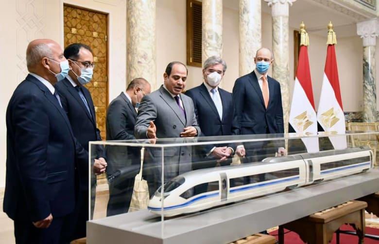مصر: تنفيذ شبكة قطار كهربائي سريع طولها ألف كيلومتر وتكلفة قدرها 360 مليار جنيه