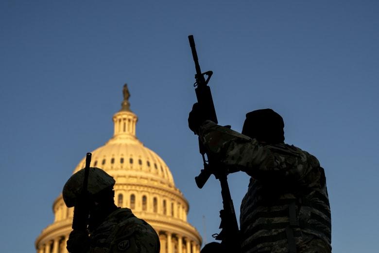 بايدن يتلقى إحاطة حول تهديدات أمنية قبيل تنصيبه.. ورقم قياسي لقوات تأمين واشنطن