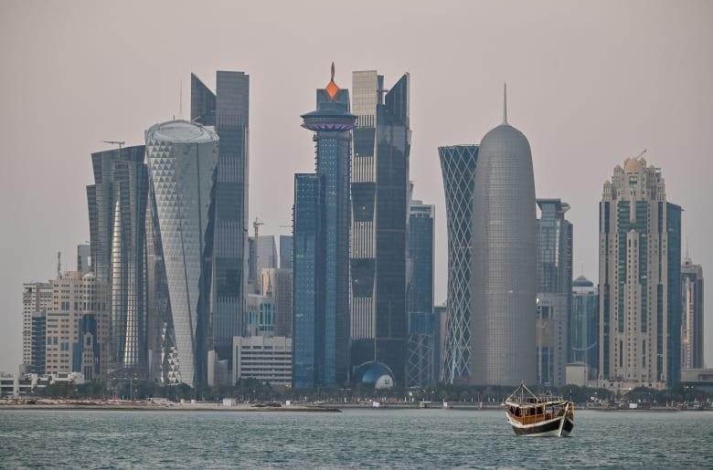 قطر تفرج عن بحرينيين كانوا محتجزون لديها بينهم بطل كمال الأجسام سامي الحداد