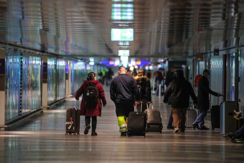 """ألمانيا تدرس قيوداً إضافية على السفر.. وخفض الحركة الجوية إلى """"الصفر"""""""
